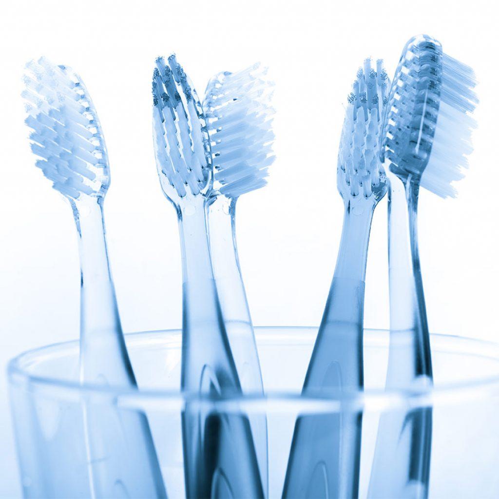 Scegliere lo spazzolino: tutto quello che devi sapere